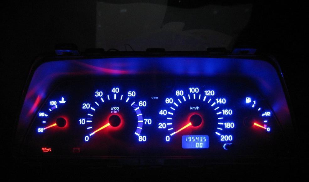 Фото №3 - панель приборов ВАЗ 2110 тюнинг