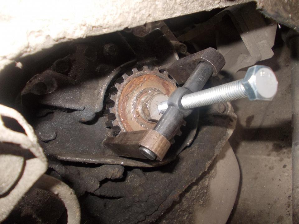 Фото №20 - как снять шкив коленвала ВАЗ 2110
