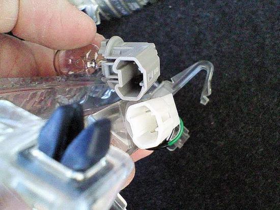 Фото №18 - как поменять лампочку стоп сигнала на ВАЗ 2110