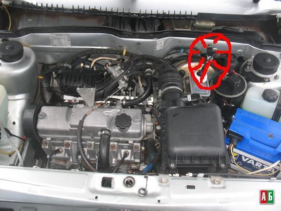 Фото №4 - где находится реле зарядки на ВАЗ 2110