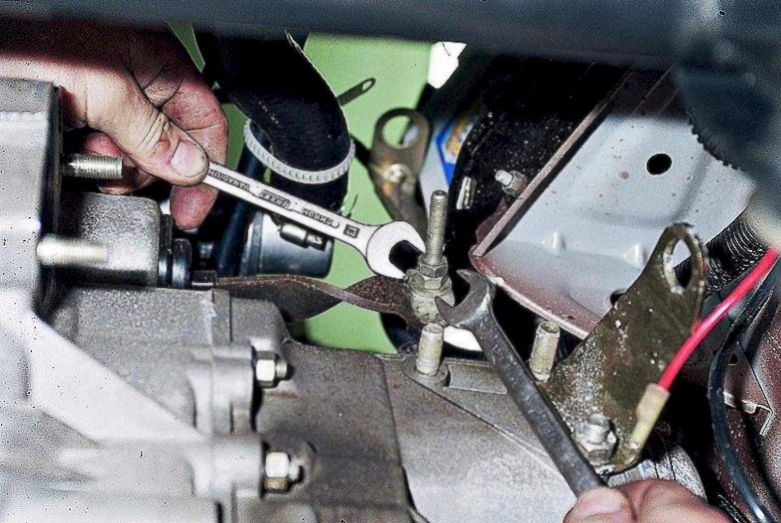 Фото №6 - провалилась педаль сцепления на ВАЗ 2110