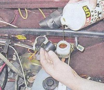 Фото №20 - упал уровень тормозной жидкости ВАЗ 2110