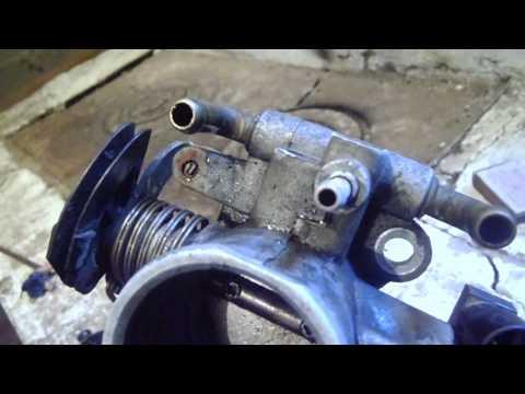 Фото №5 - ВАЗ 2110 промывка дросселя