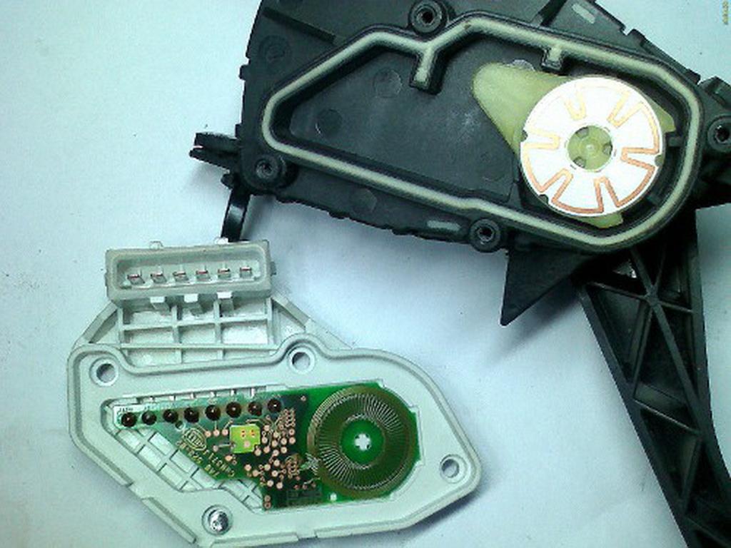 Фото №5 - ВАЗ 2110 электронная педаль газа