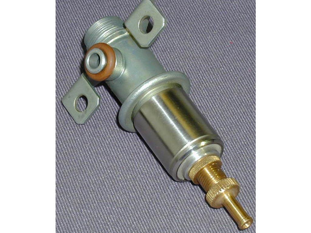 Фото №1 - регулятор давления топлива ВАЗ 2110 16 клапанов признаки неисправности