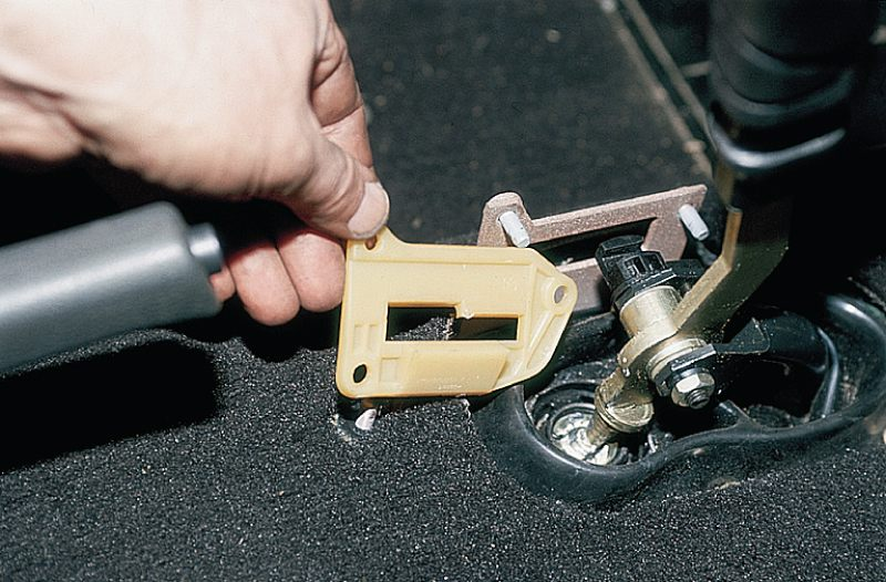 Фото №36 - регулировка рычага переключения передач ВАЗ 2110