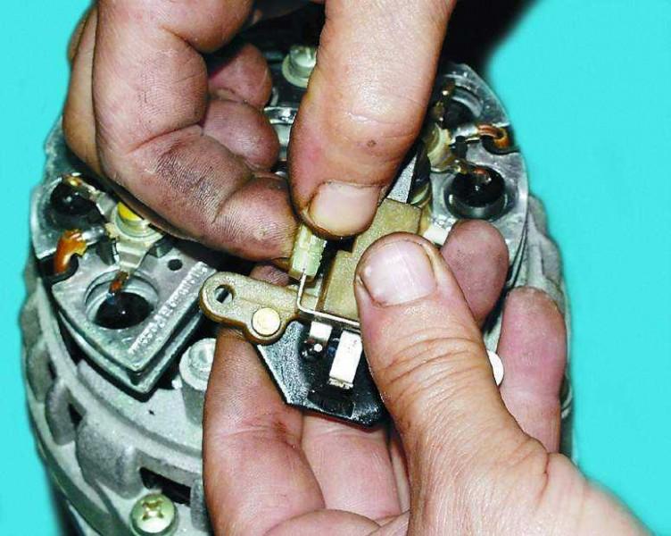 Фото №19 - увеличить напряжение генератора ВАЗ 2110