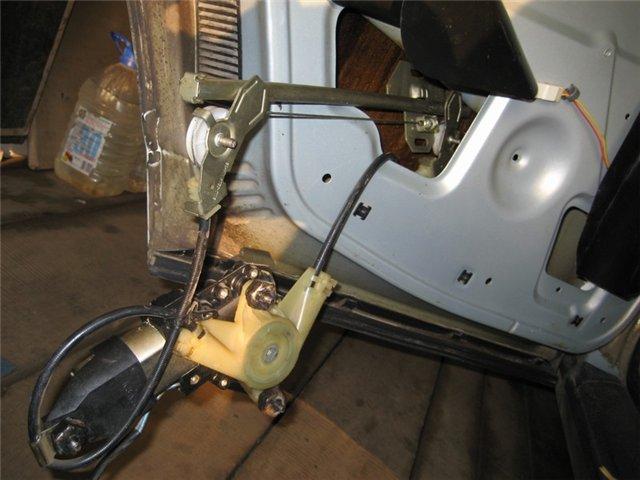 Фото №1 - как сделать стеклоподъемник на ВАЗ 2110