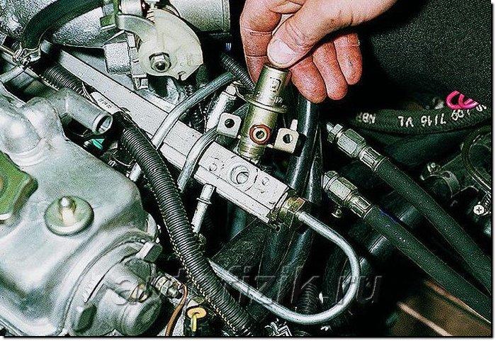 Фото №49 - как проверить регулятор давления топлива на ВАЗ 2110