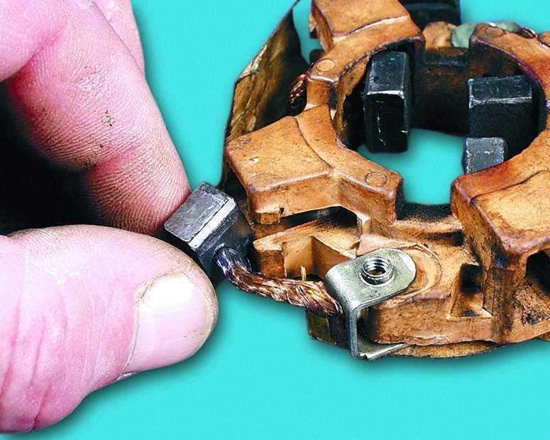 Фото №2 - замена щеток стартера ВАЗ 2110