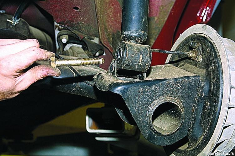 Фото №18 - как сделать подвеску мягче на ВАЗ 2110