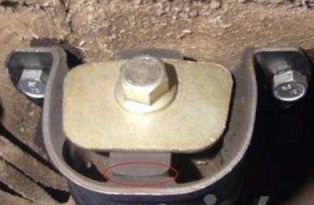 Фото №12 - подушка коробки передач ВАЗ 2110