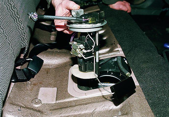 Фото №24 - неправильно показывает датчик уровня топлива ВАЗ 2110 инжектор