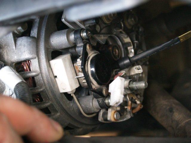 Фото №17 - генератор ВАЗ 2110 выдает маленькое напряжение
