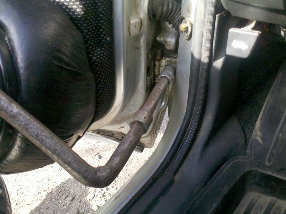 Фото №25 - ВАЗ 2110 ремонт дверных петель