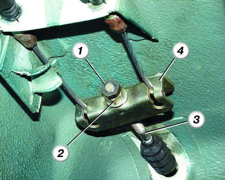 Фото №6 - замена тросика ручника ВАЗ 2110