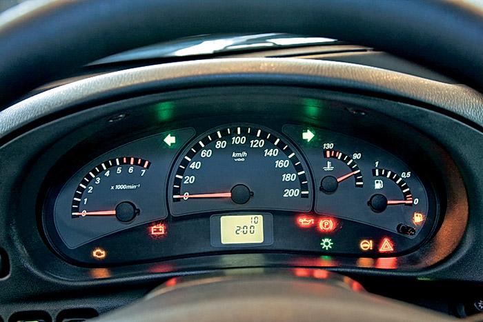 Фото №4 - панель приборов приора на ВАЗ 2110