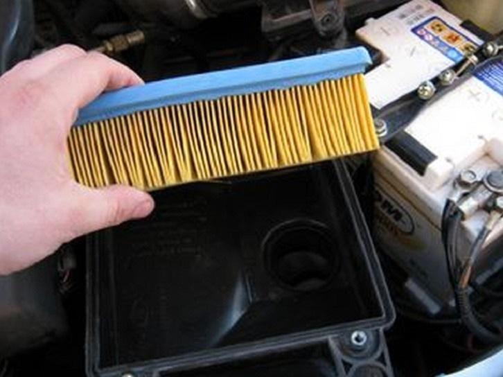 Фото №22 - как поменять воздушный фильтр в ВАЗ 2110