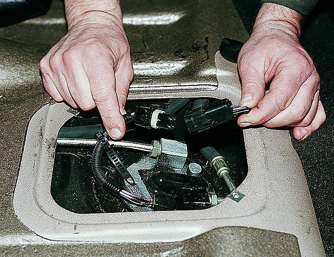 Фото №13 - как проверить реле бензонасоса ВАЗ 2110