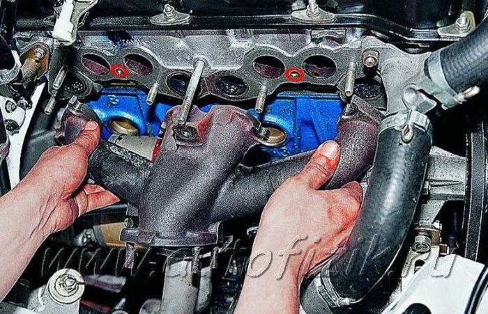 Фото №1 - замена прокладки коллектора ВАЗ 2110