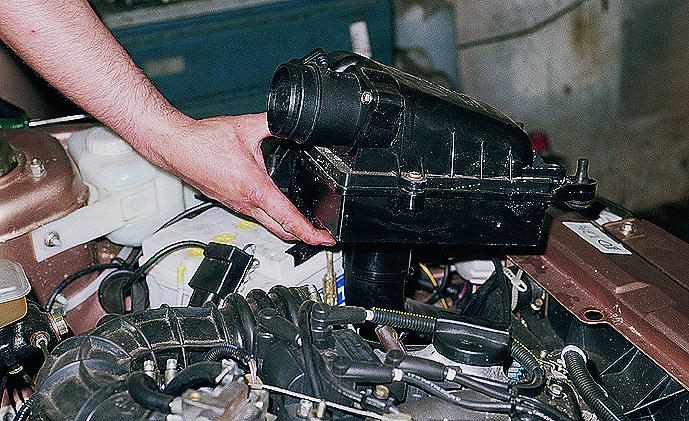 Фото №1 - замена гофры воздушного фильтра ВАЗ 2110