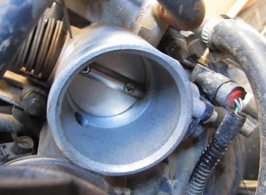 Фото №30 - как почистить дроссельную заслонку ВАЗ 2110