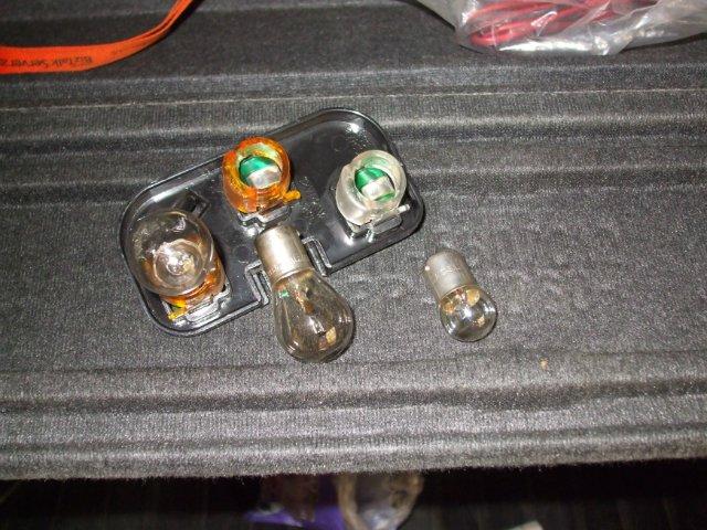 Фото №28 - как поменять лампочку стоп сигнала на ВАЗ 2110