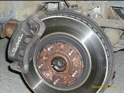 Фото №33 - почему греется тормозной диск на ВАЗ 2110
