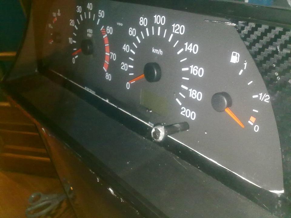 Фото №36 - панель приборов на ВАЗ 2110