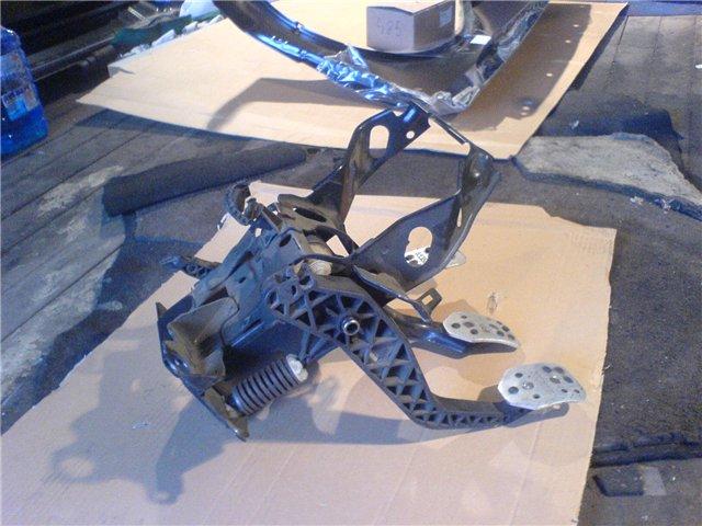 Фото №49 - как крепиться трос сцепления к педали на ВАЗ 2110