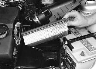 Фото №4 - как поменять воздушный фильтр в ВАЗ 2110