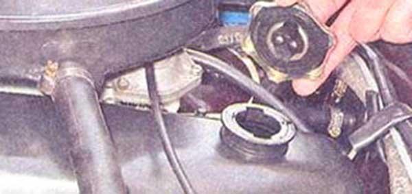 Фото №43 - через сколько нужно менять воздушный фильтр на ВАЗ 2110