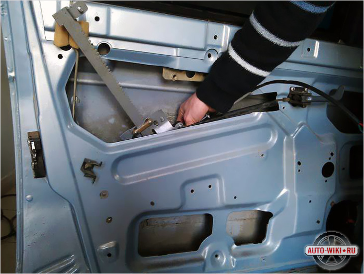Фото №11 - установка рычажного стеклоподъемника на ВАЗ 2110