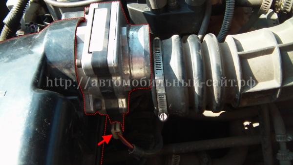 Фото №17 - в воздушном патрубке масло ВАЗ 2110