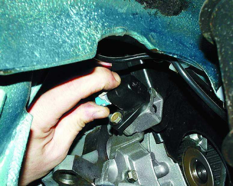 Фото №2 - как менять датчик детонации ВАЗ 2110