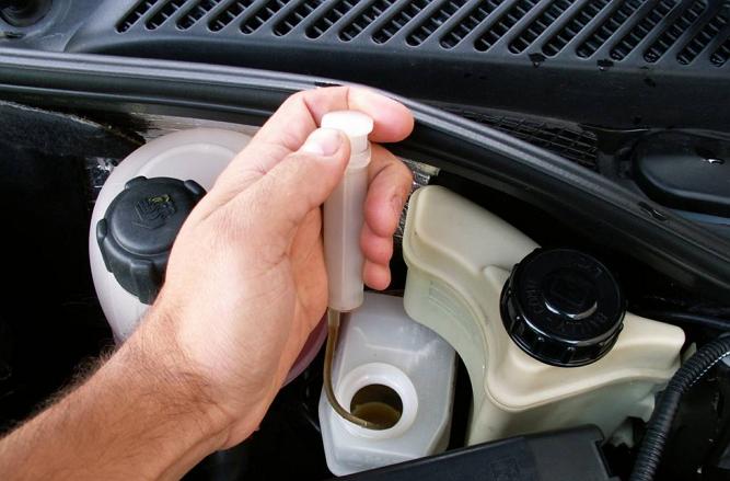 Фото №24 - сколько тормозной жидкости нужно для замены ВАЗ 2110