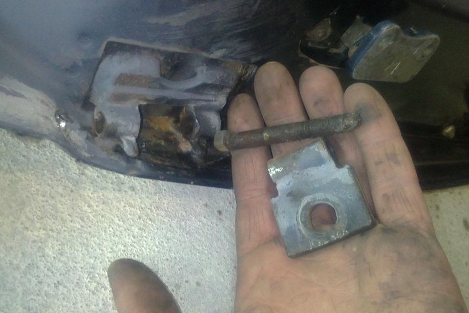 Фото №20 - ВАЗ 2110 ремонт дверных петель
