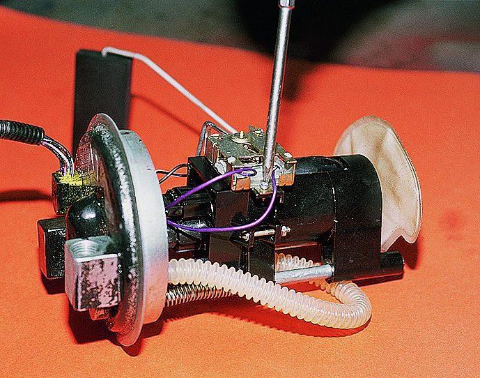 Фото №21 - ВАЗ 2110 замена топливного насоса
