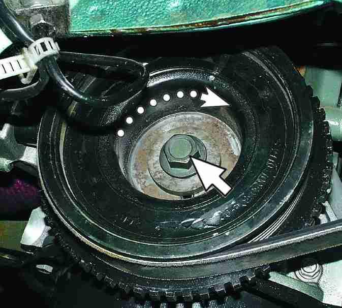 Фото №7 - болт крепления шкива коленчатого вала 2110
