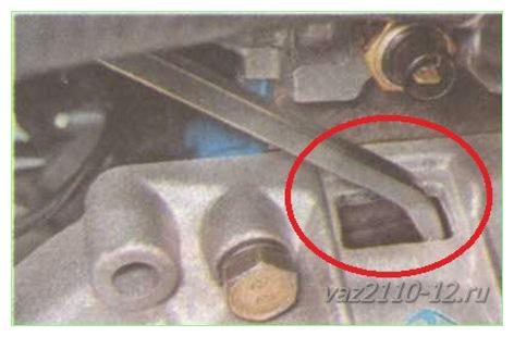 Фото №27 - как открутить болт шкива коленвала ВАЗ 2110