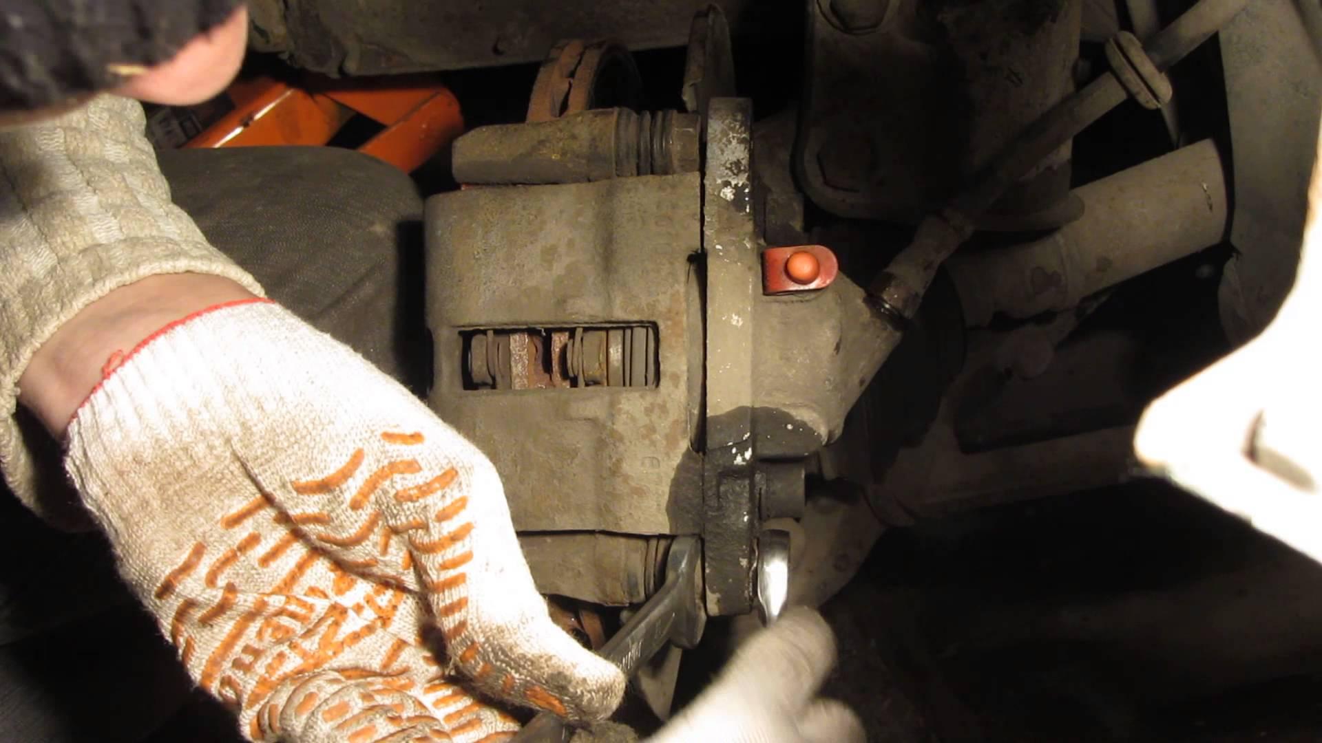 Фото №2 - замена передних тормозных цилиндров ВАЗ 2110