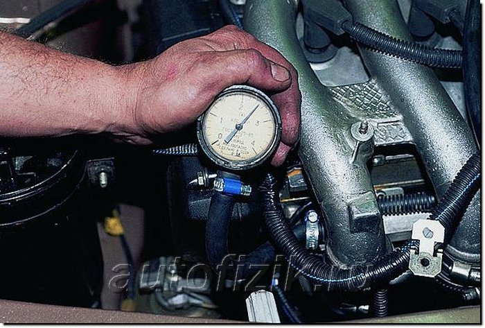 Фото №13 - клапан давления топлива в рампе 2110