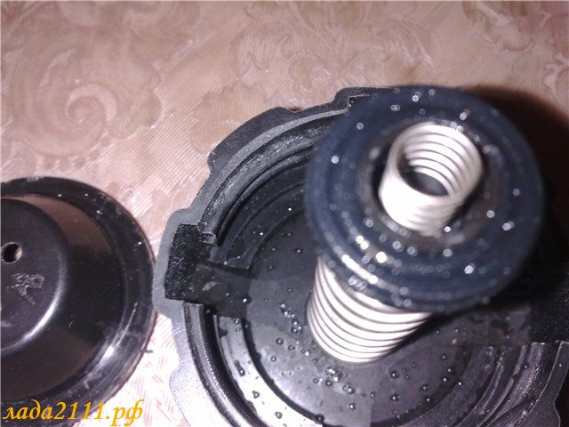 Фото №17 - как проверить крышку расширительного бачка ВАЗ 2110