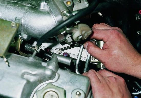 Фото №42 - ВАЗ 2110 давление топлива в рампе