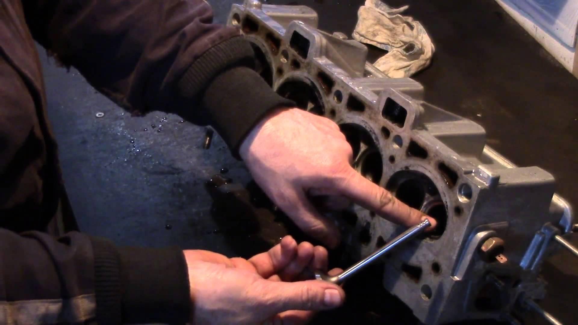 Фото №21 - от чего появляется масло в воздушном патрубке ВАЗ2110
