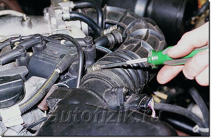 Фото №5 - почему масло попадает в воздушный фильтр ВАЗ 2110