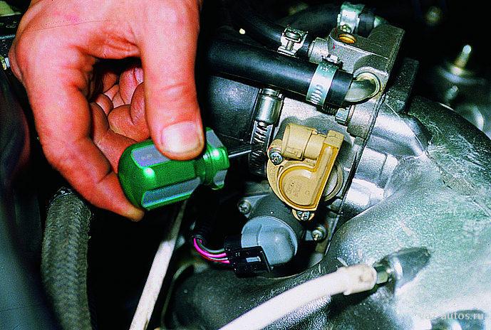 Фото №14 - ВАЗ 2110 замена датчика положения дроссельной заслонки